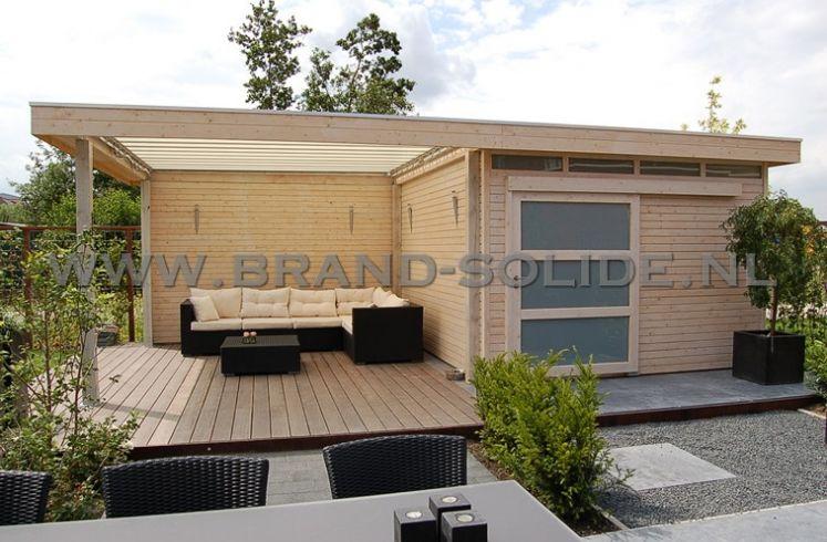 Modern tuinhuis plat dak met schuifdeur overkapping en for Moderne tuin met overkapping